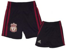Adidas, Liverpool emblémás rövidnadrág
